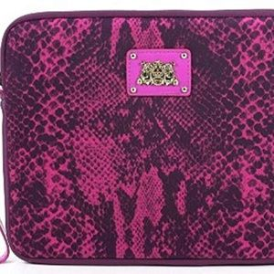 JUICY COUTURE PYTHON SNAKE WRISTLET.YTRU240 NEW WI